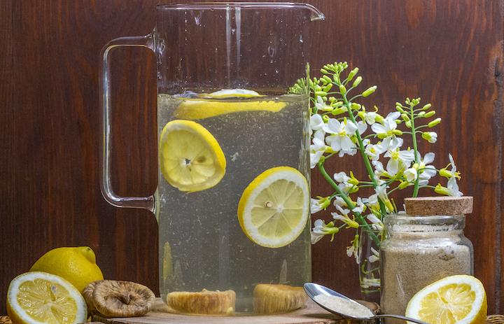 Renforcer son immunité avec un boisson aux probiotiques le kéfir